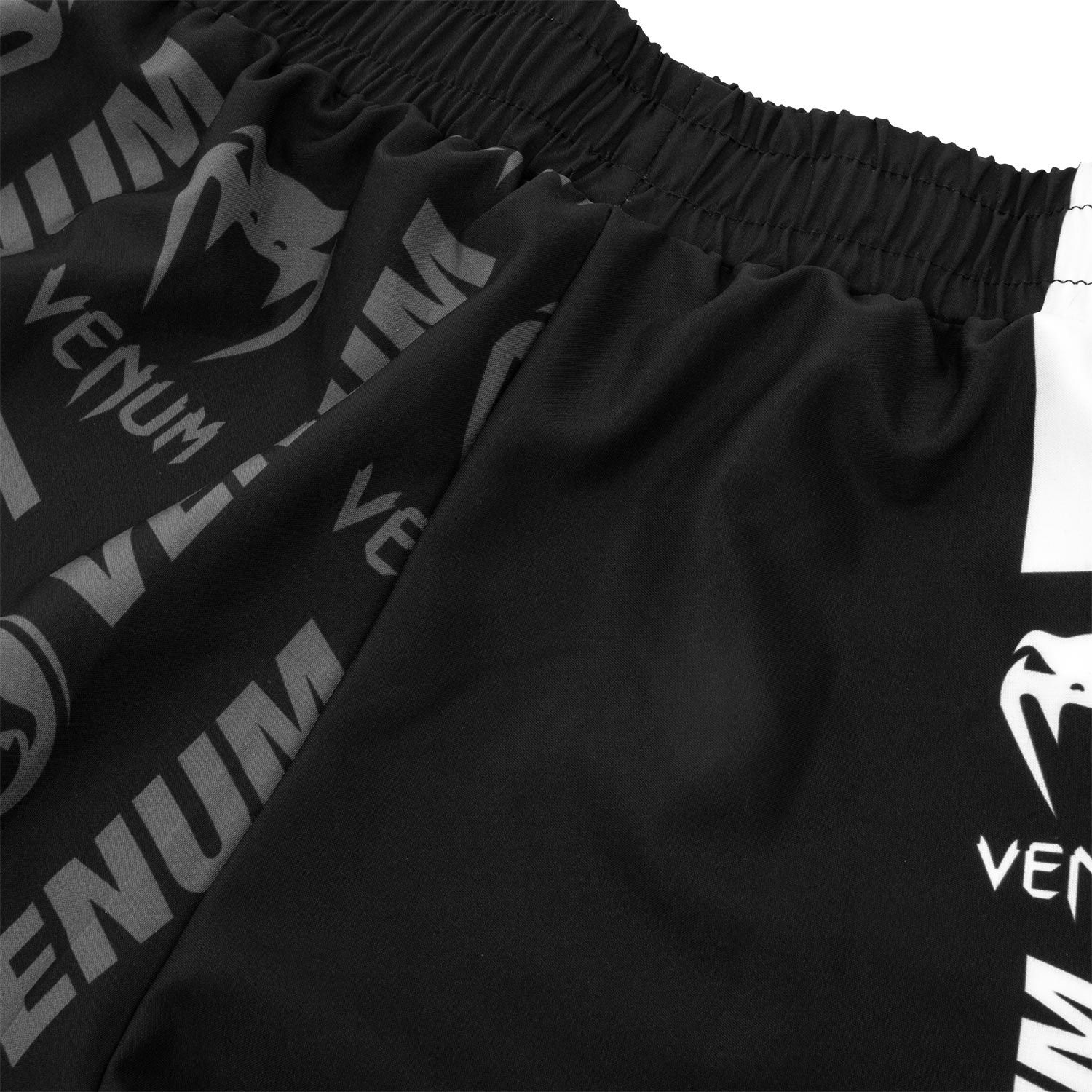 Шорты Venum Logos Training Shorts Black/White фото 7